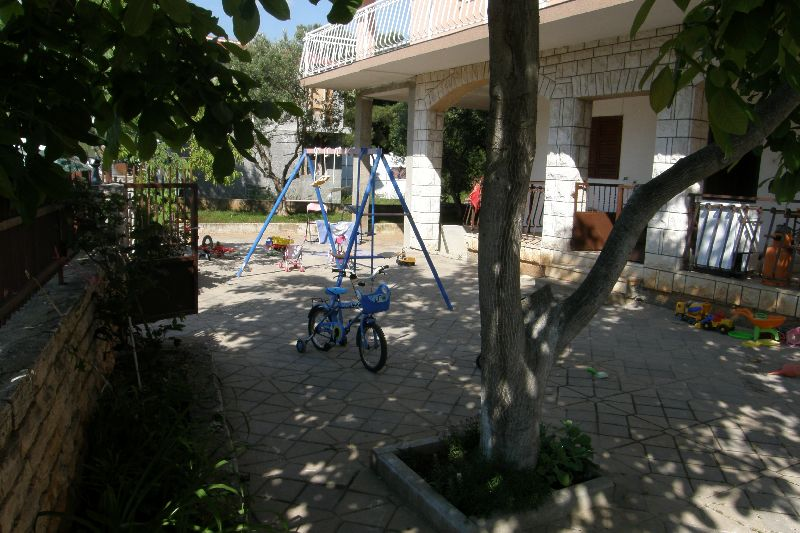 Dom Lilijana