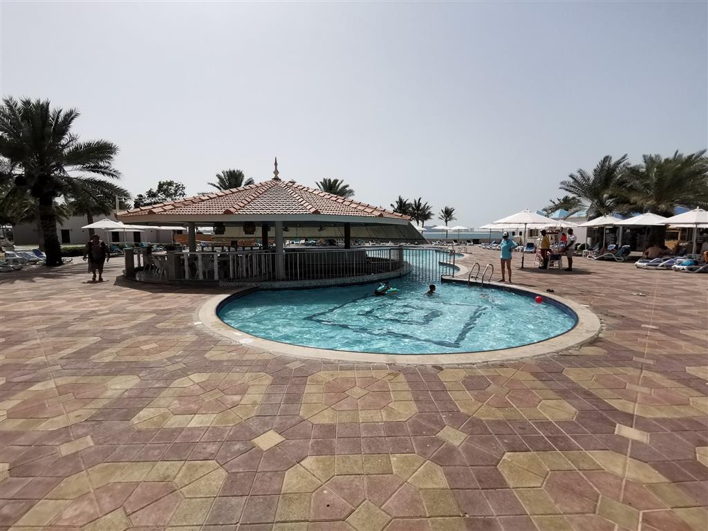 Bm Beach Resort - 11