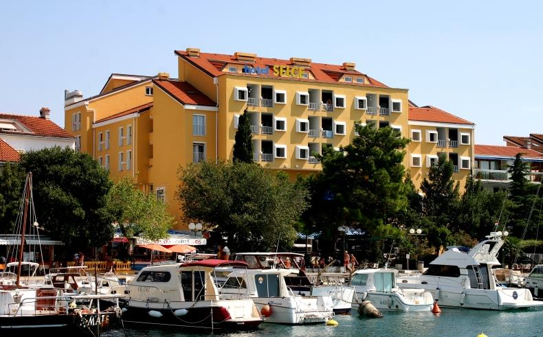 Hotel Selce - 1