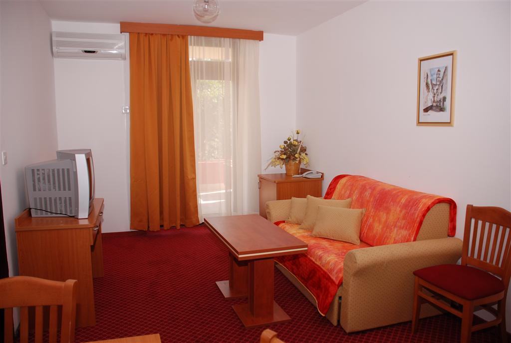 Hotel Zagreb a Villa Pinia polpenzia - 8