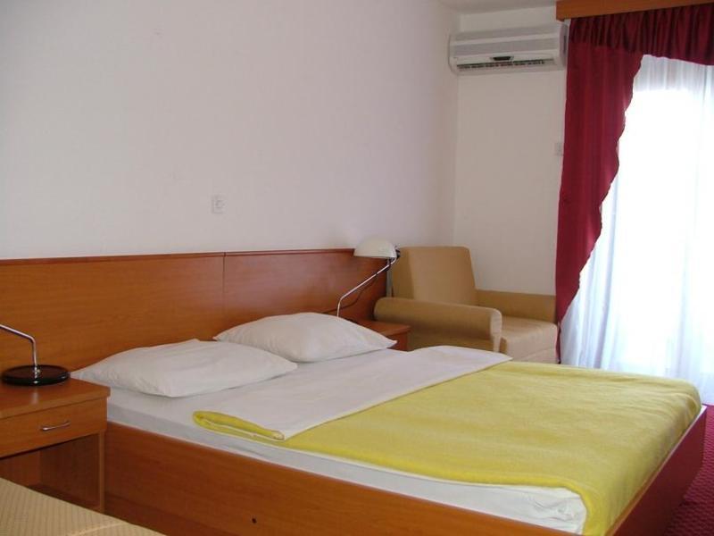Hotel Zagreb a Villa Pinia polpenzia - 5