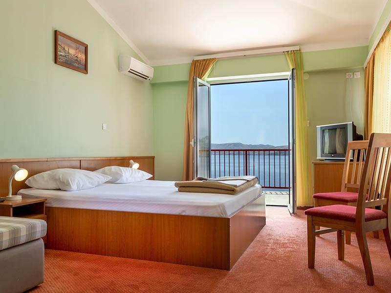 Hotel Zagreb a Villa Pinia polpenzia - 4