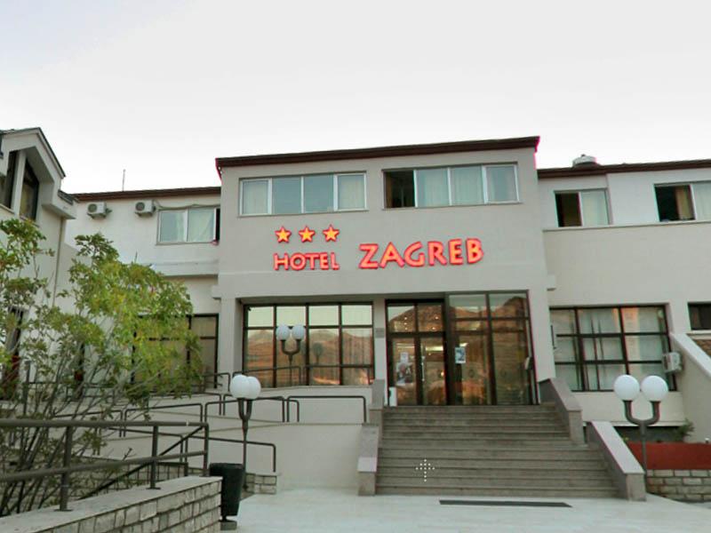 Hotel Zagreb a Villa Pinia polpenzia - 1