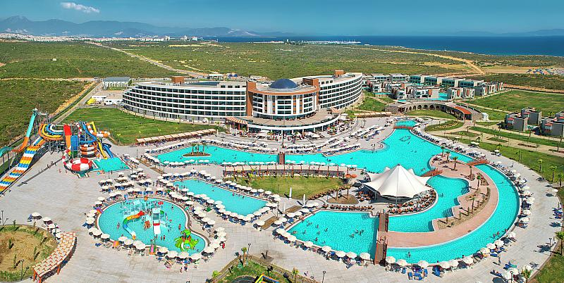 Aquasis Deluxe Resort and Spa
