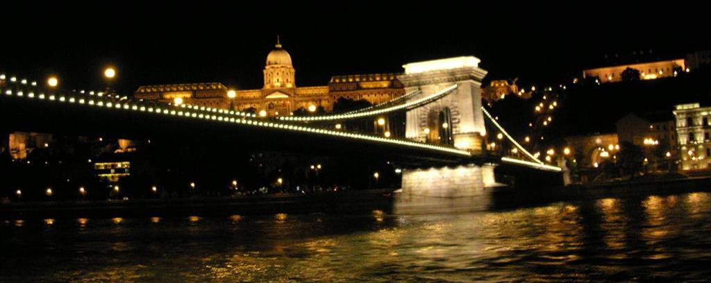 Adventná Budapešť