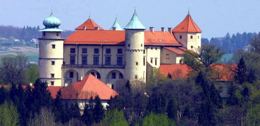 Legendárny hrad Wisnicz, najkrajšia dedinka v Poľsku a historický Tarnow